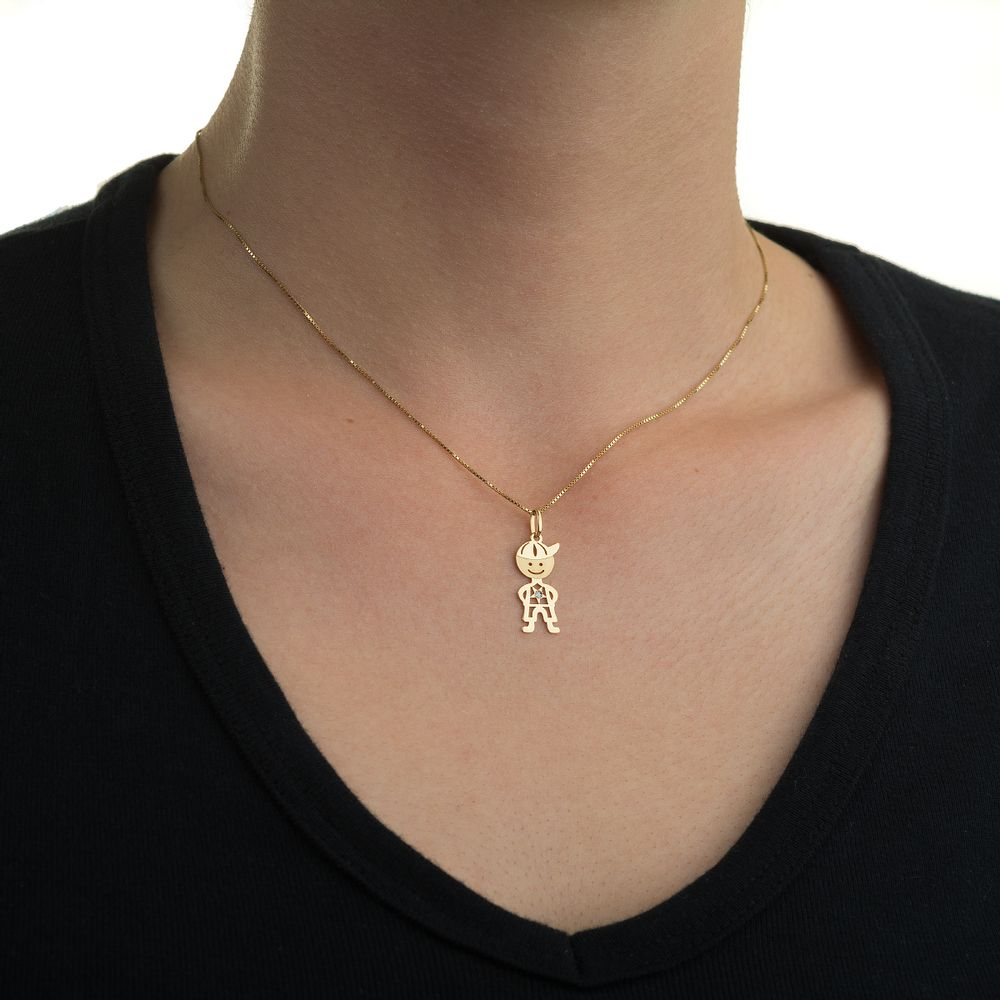 Pingente em Ouro 18k Menino Vazado Liso com Diamante pi18473 - joiasgold 36ae5a2af2