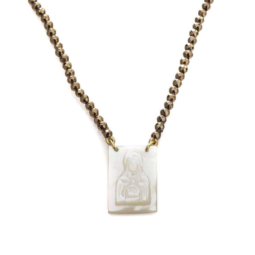 8e76c4423db Escapulário em Ouro 18k Madrepérola com Hematita Dourada de 80cm ...
