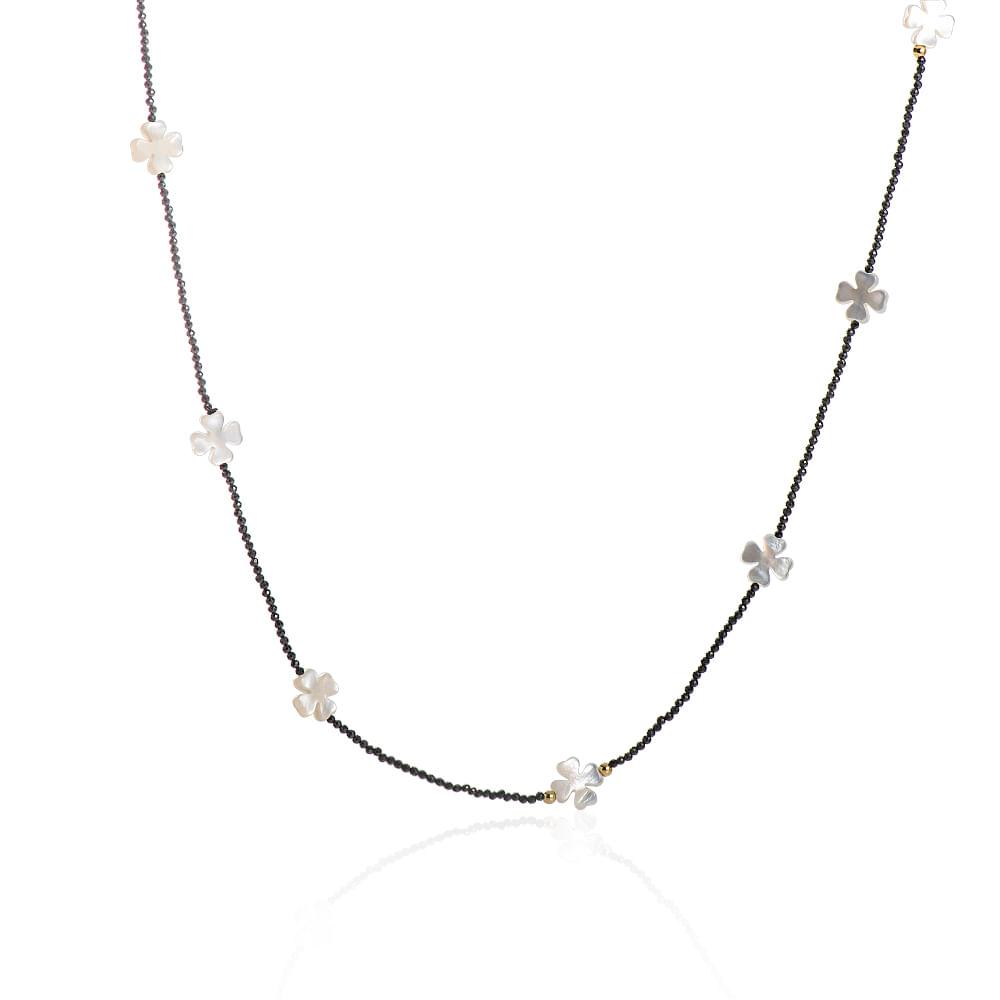 8aa0090c326 colar-trevo-madreperola-espinelio-e-bolas-de-ouro-