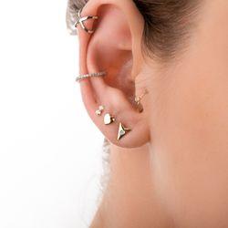Piercing-de-Orelha-de-Ouro-Branco-18k-com-Diamantes-ac07100-joiasgold