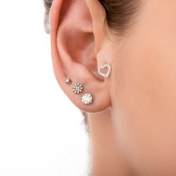 Piercing-em-Ouro-Branco-18k-Orelha-Coracao-com-Diamantes-ac07179-joiasgold