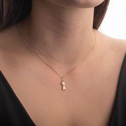 Pingente-de-Ouro-18k-Menina-com-Vestido-Quadriculado-pi20470-JOIASGOLD