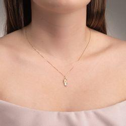 Pingente-de-Ouro-18k-Menina-Laco-com-Vestido-Quadrado-pi20642-joiasgold