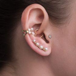 Brinco-de-Ouro-18k-Ear-Cuff-Perolas-com-Diamantes-br23872-Joias-Gold-MODELO